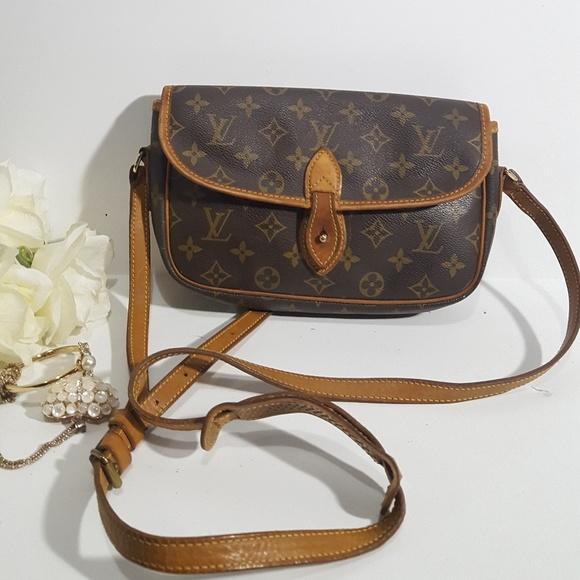 17fbed001db4 Louis Vuitton Handbags - Authentic Louis Vuitton Sac Gibeciere PM